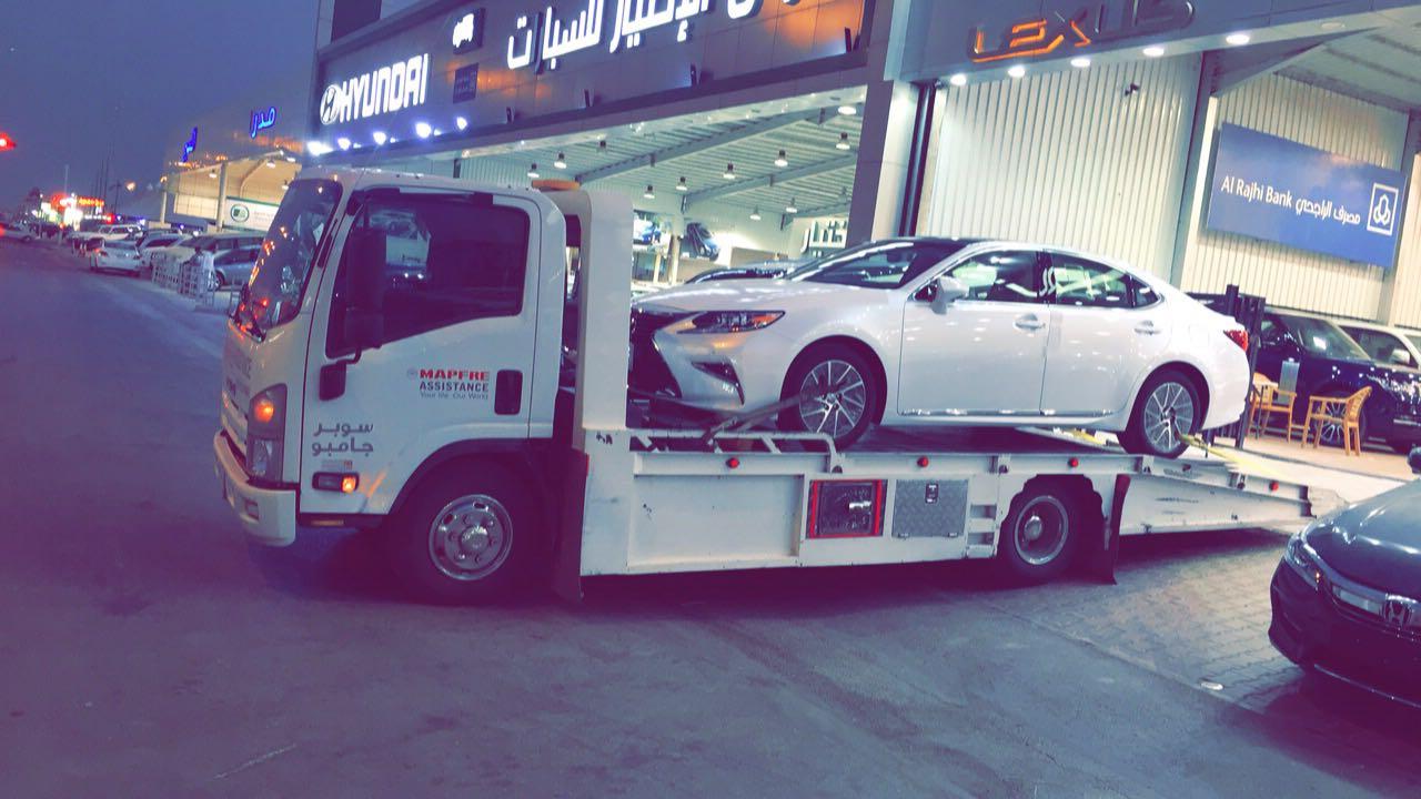 سطحة وسط الرياض لنقل السيارات المعطله والمصدومه